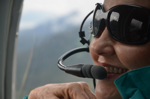 Sandra as co-pilote in the helicopter to the glaciers near Juneau.